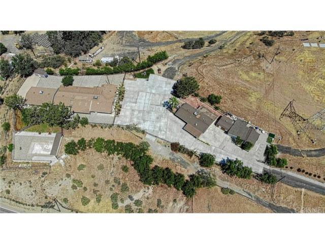 15541 Sierra Highway, Canyon Country, CA 91390 (#SR18159518) :: Paris and Connor MacIvor