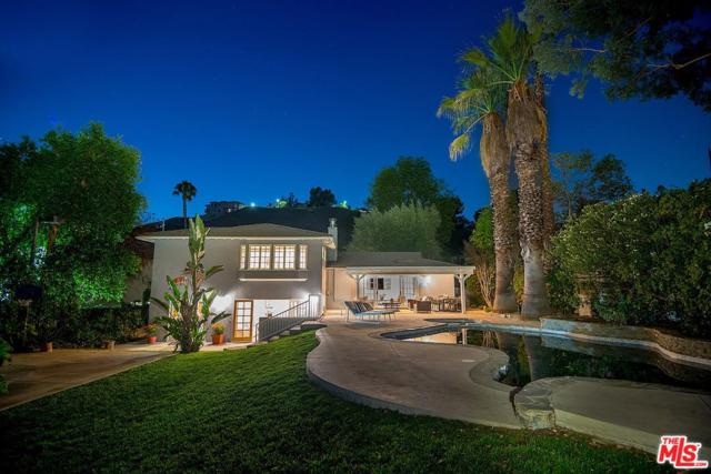 22572 Margarita Drive, Woodland Hills, CA 91364 (#18376950) :: Golden Palm Properties