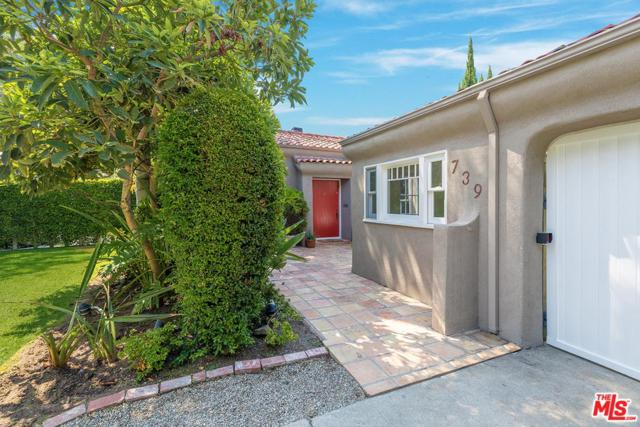 739 N Crescent Heights, Los Angeles (City), CA 90046 (#18386352) :: Golden Palm Properties