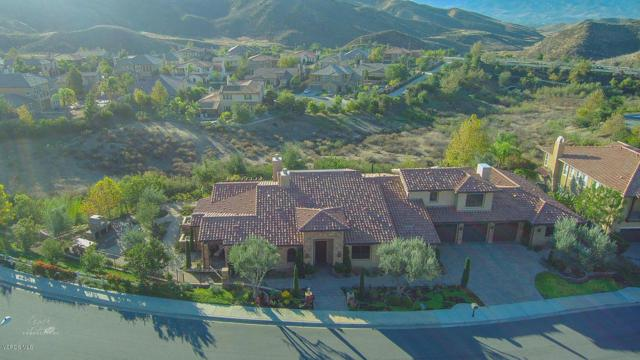 2662 Castlewood Lane, Simi Valley, CA 93065 (#218013505) :: The Fineman Suarez Team