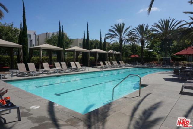 5550 Boardwalk Drive #105, Hawthorne, CA 90250 (#18413496) :: Fred Howard Real Estate Team