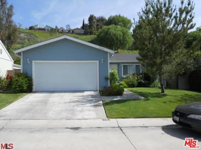 20079 Northcliff Drive, Canyon Country, CA 91351 (#18414320) :: Lydia Gable Realty Group