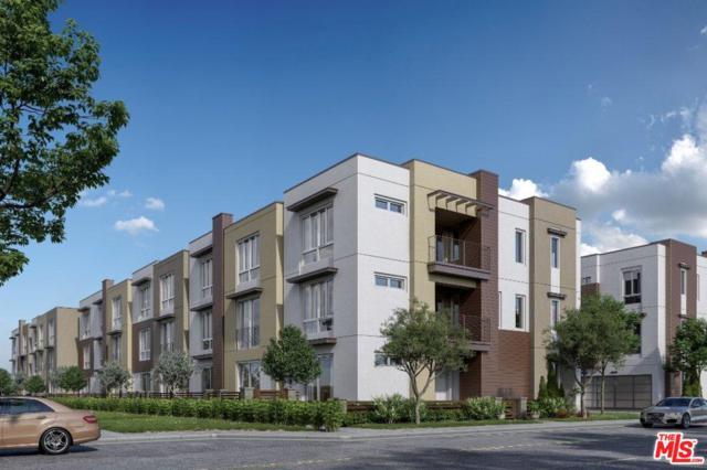 7327 Hazeltine Avenue, Van Nuys, CA 91405 (#18414392) :: Desti & Michele of RE/MAX Gold Coast