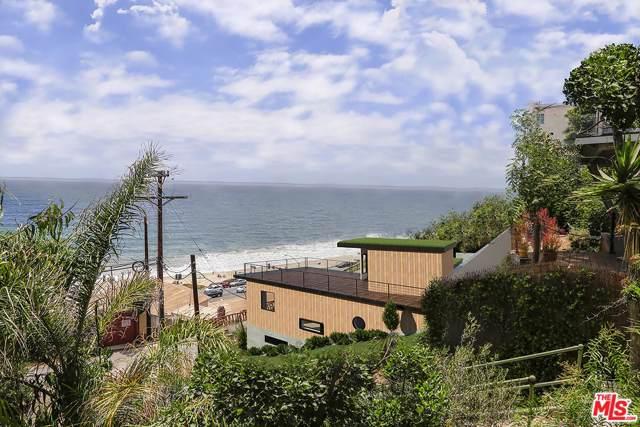 17605 Castellammare Drive, Pacific Palisades, CA 90272 (#19521450) :: Golden Palm Properties
