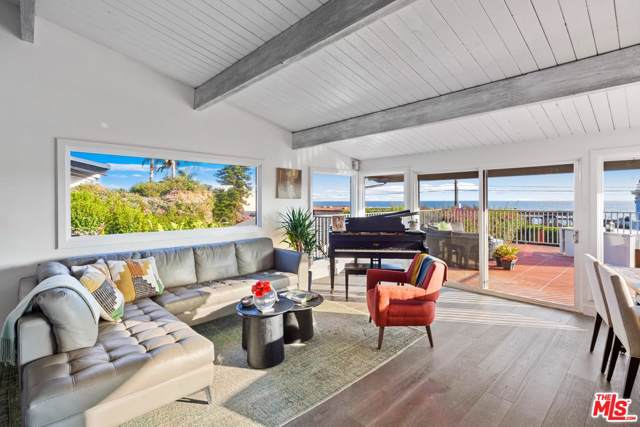 21461 Pacific Coast Highway, Malibu, CA 90265 (#19521424) :: Lydia Gable Realty Group