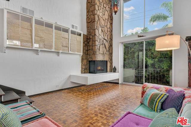 11625 Texas Avenue #304, Los Angeles (City), CA 90025 (#19522476) :: Randy Plaice and Associates