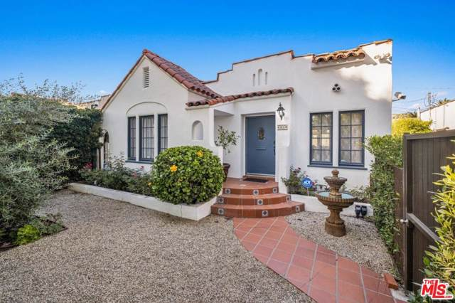 8819 Dorrington Avenue, West Hollywood, CA 90048 (#19528492) :: The Pratt Group