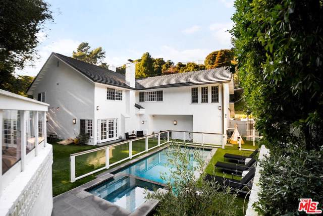 2572 Hutton Drive, Beverly Hills, CA 90210 (#20544652) :: The Agency