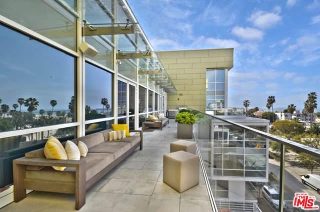 1705 Ocean Avenue #210, Santa Monica, CA 90401 (#20546574) :: The Suarez Team
