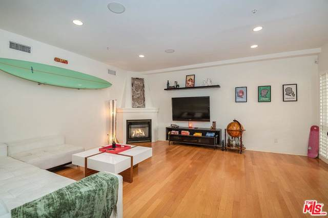 851 N San Vicente #132, West Hollywood, CA 90069 (#20547590) :: The Agency