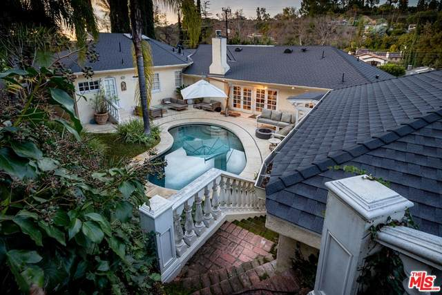 3261 Laurel Canyon, Studio City, CA 91604 (MLS #20-549966) :: Hacienda Agency Inc