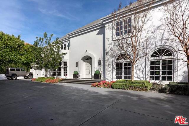 820 N Whittier Dr, Beverly Hills, CA 90210 (MLS #20-552524) :: Zwemmer Realty Group