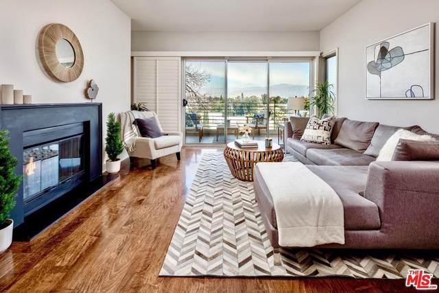 11815 Laurelwood Drive #16, Studio City, CA 91604 (MLS #20555216) :: Hacienda Agency Inc