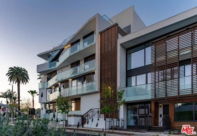 702 N Doheny Dr #302, West Hollywood, CA 90069 (MLS #20-558480) :: The John Jay Group - Bennion Deville Homes