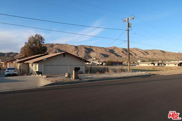 56192 Papago Trl, Yucca Valley, CA 92284 (#20-560122) :: The Parsons Team