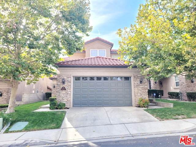 16116 Maricopa Ln, Apple Valley, CA 92307 (#21-793178) :: The Bobnes Group Real Estate