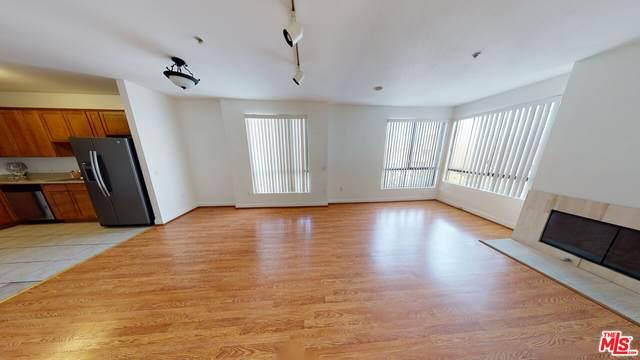 6938 Laurel Canyon Blvd #307, North Hollywood, CA 91605 (MLS #21-796384) :: The John Jay Group - Bennion Deville Homes