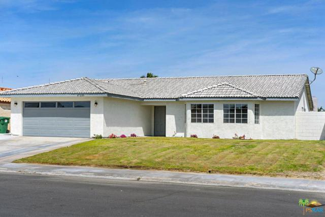 67220 Ontina Road, Cathedral City, CA 92234 (#19451904PS) :: The Fineman Suarez Team
