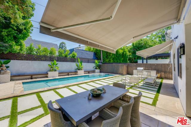 12112 Hollyglen Pl Place, Studio City, CA 91604 (#19487942) :: Lydia Gable Realty Group