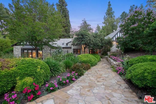 4880 Queen Florence Ln, Woodland Hills, CA 91364 (MLS #19-489486) :: Zwemmer Realty Group