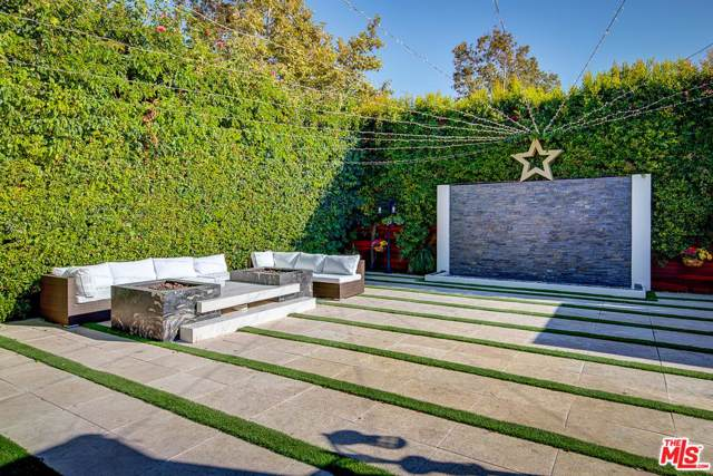 6440 Hayes Drive, Los Angeles (City), CA 90048 (#19508656) :: The Agency