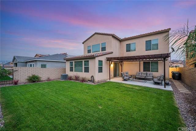 25155 Golden Maple Drive, Canyon Country, CA 91387 (#SR19229971) :: Lydia Gable Realty Group