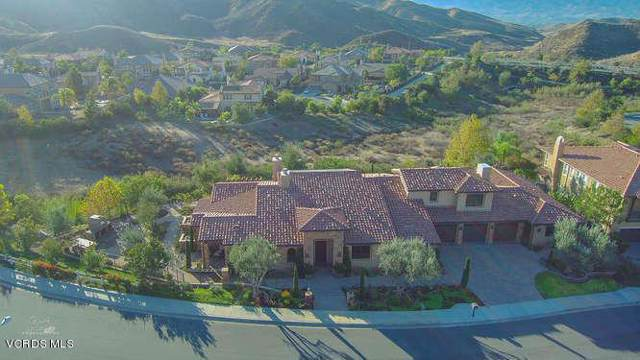 2662 Castlewood Lane, Simi Valley, CA 93065 (#219012723) :: The Agency