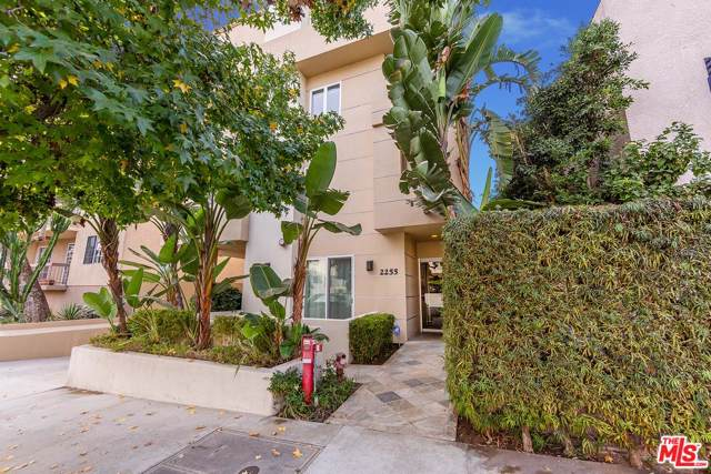 2255 Fox Hills Drive #300, Los Angeles (City), CA 90064 (MLS #19534252) :: Hacienda Agency Inc