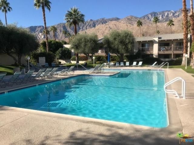1150 E Palm Canyon Drive #68, Palm Springs, CA 92264 (#17298336PS) :: Golden Palm Properties