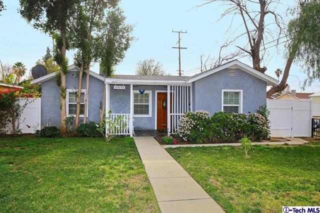 22056 Cohasset Street, Canoga Park, CA 91303 (#318000189) :: Lydia Gable Realty Group