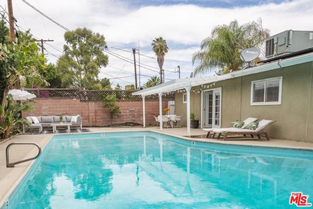18930 Bessemer Street, Tarzana, CA 91335 (#18356660) :: Golden Palm Properties