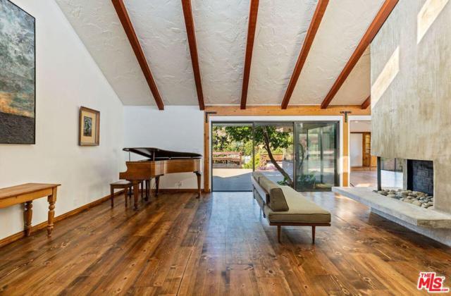 6364 Trancas Canyon Road, Malibu, CA 90265 (#18370050) :: Lydia Gable Realty Group