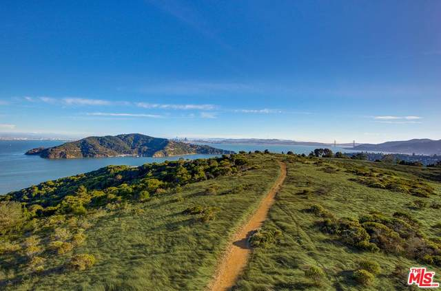 624 Ridge Rd, Tiburon, CA 94920 (#18-401882) :: The Pratt Group