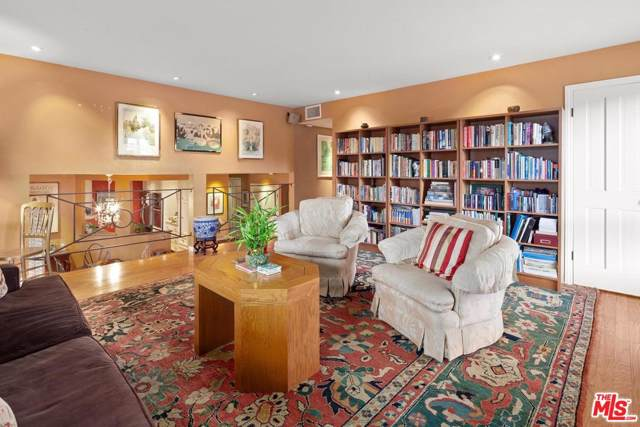 4450 Placidia Avenue #4, Toluca Lake, CA 91602 (#19521180) :: Golden Palm Properties