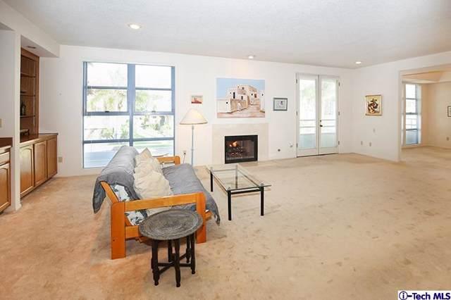 11700 Iowa Avenue #103, Los Angeles (City), CA 90025 (#319004651) :: Pacific Playa Realty