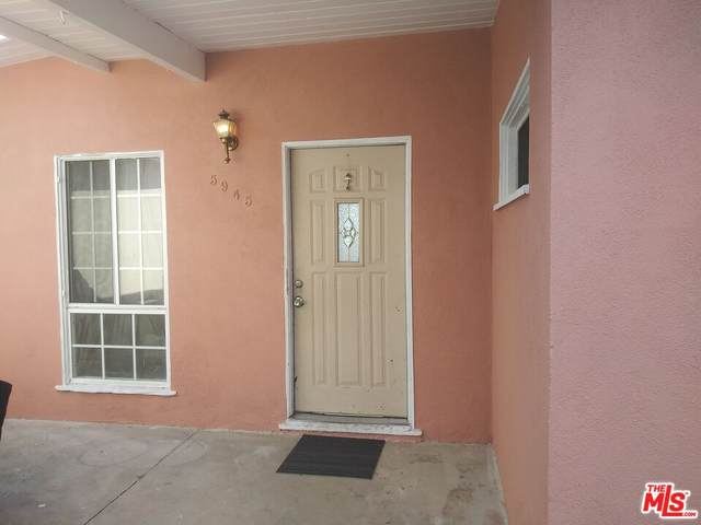 5945 N Rockvale Ave, Azusa, CA 91702 (MLS #21-749518) :: Zwemmer Realty Group