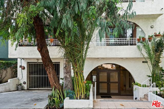 1209 Amherst Ave #201, Los Angeles, CA 90025 (MLS #21-782814) :: The John Jay Group - Bennion Deville Homes