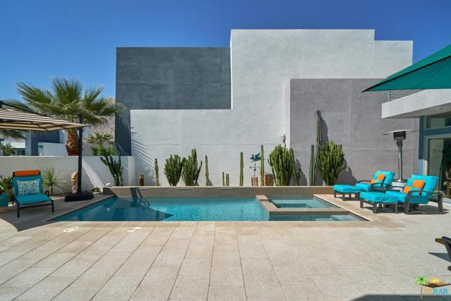 1042 Paz Drive, Palm Springs, CA 92262 (#19447854PS) :: The Agency