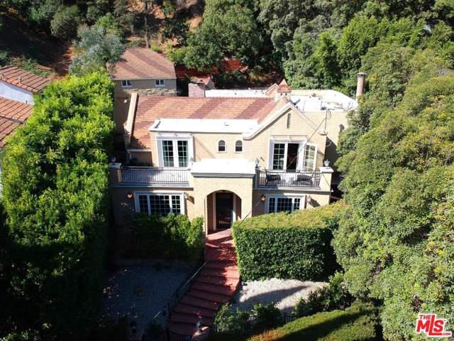 1615 Benedict Canyon Drive, Beverly Hills, CA 90210 (#19508412) :: Lydia Gable Realty Group