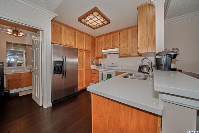 360 S Euclid Avenue #319, Pasadena, CA 91101 (#318005074) :: Lydia Gable Realty Group