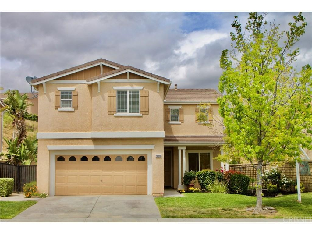 28217 Alton Way, Castaic, CA 91384 (#SR17066665) :: Paris and Connor MacIvor