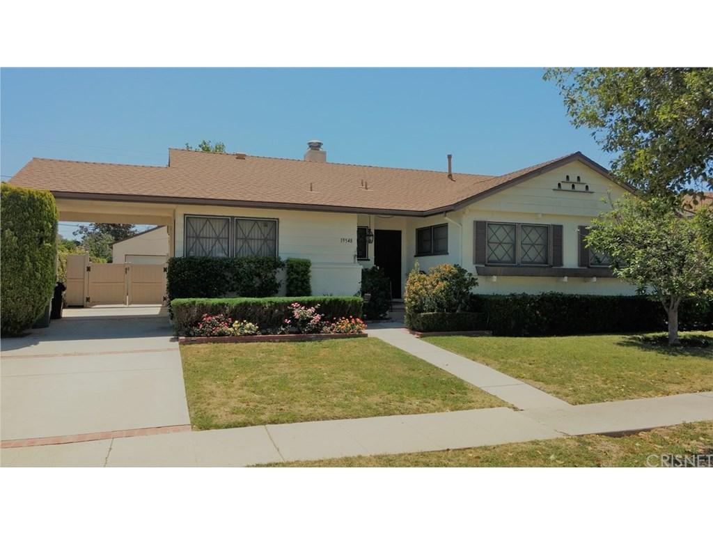 19548 Haynes Street, Reseda, CA 91335 (#SR17085619) :: Paris and Connor MacIvor