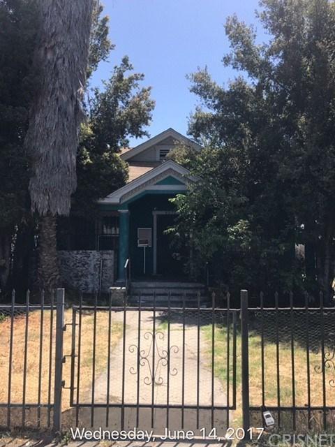 4278 S Western Avenue, Los Angeles (City), CA 90062 (#SR17136851) :: Paris and Connor MacIvor