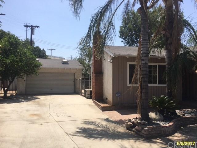14746 Jaguar Street, Mission Hills San Fernando, CA 91345 (#SR17142589) :: Paris and Connor MacIvor