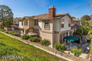 51 Greenmeadow Drive, Thousand Oaks, CA 91320 (#217012737) :: RE/MAX Gold Coast Realtors