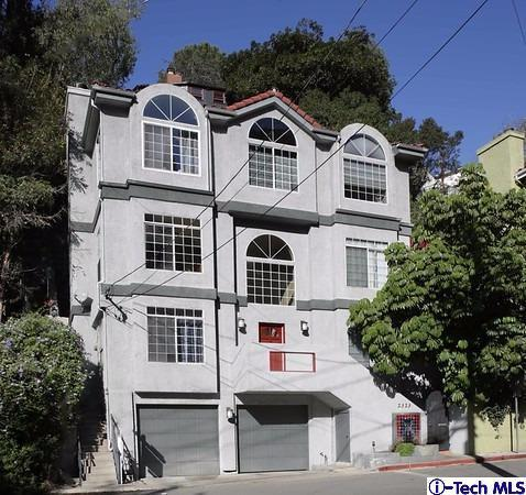 2323 Holly Drive, Los Angeles (City), CA 90068 (#317007105) :: The Fineman Suarez Team