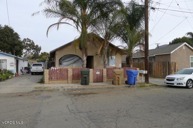 245 S 11TH Street, Santa Paula, CA 93060 (#218000375) :: California Lifestyles Realty Group