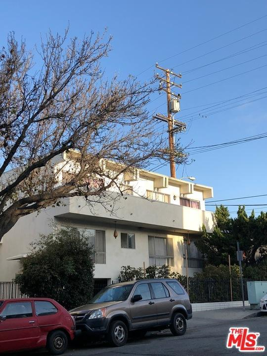 1051 N Gardner Street, West Hollywood, CA 90046 (#18335272) :: Golden Palm Properties
