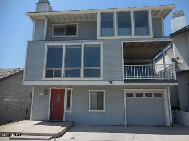 140 Santa Ana Avenue, Oxnard, CA 93035 (#218006614) :: Desti & Michele of RE/MAX Gold Coast