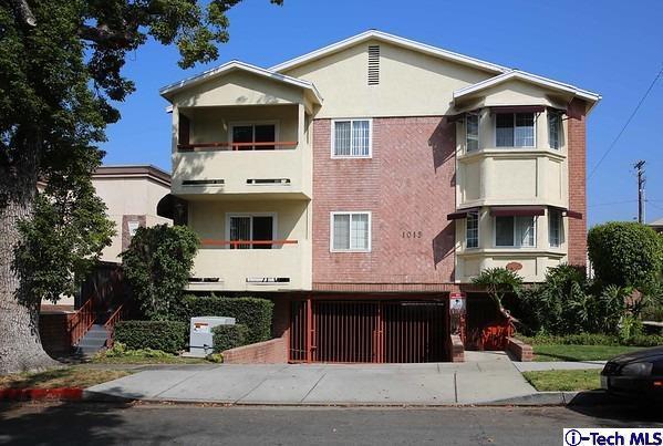 1015 E Spazier Avenue, Burbank, CA 91502 (#318002412) :: The Fineman Suarez Team